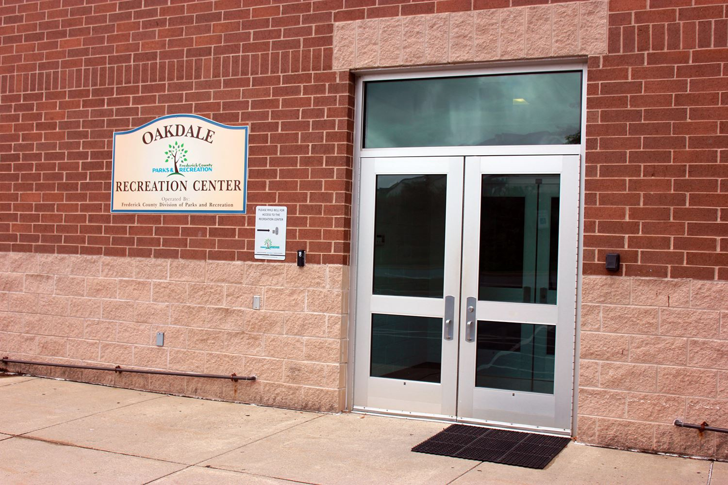 Oakdale Rec Center - Entrance